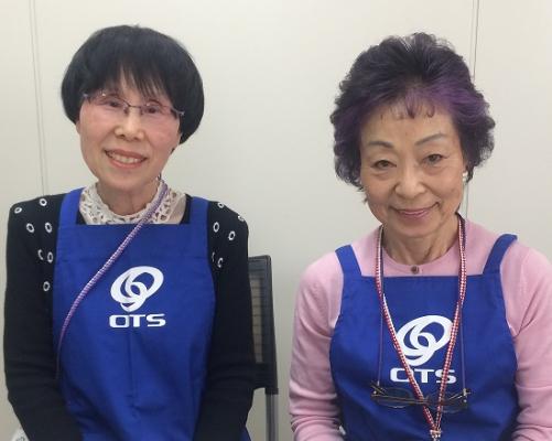 75歳酒井さん(右)、72歳阿部さん(左)
